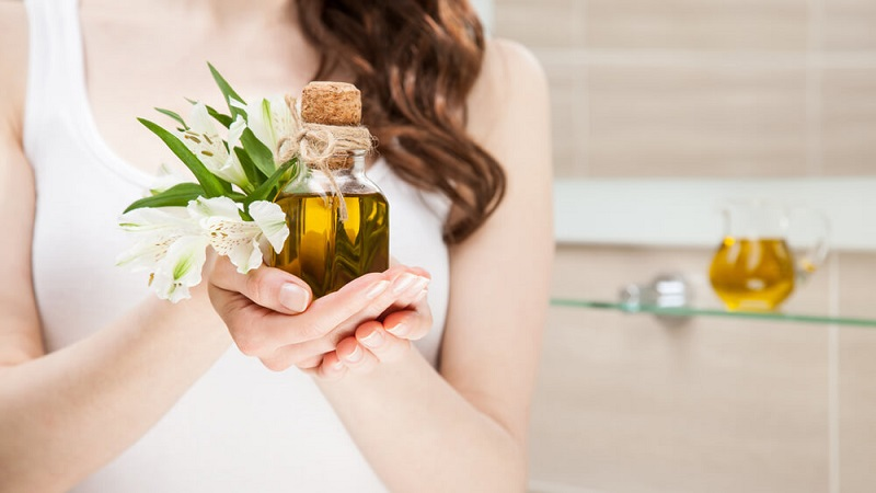 Fairness With Olive Oil -Jojoba Oil To Skin Complexion