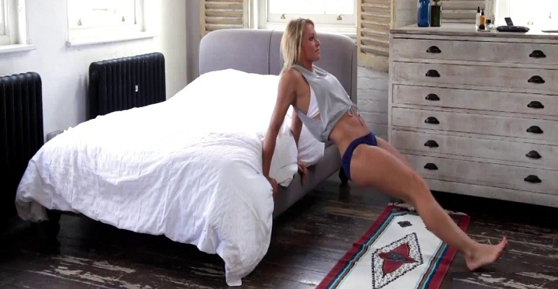 workout on mattress